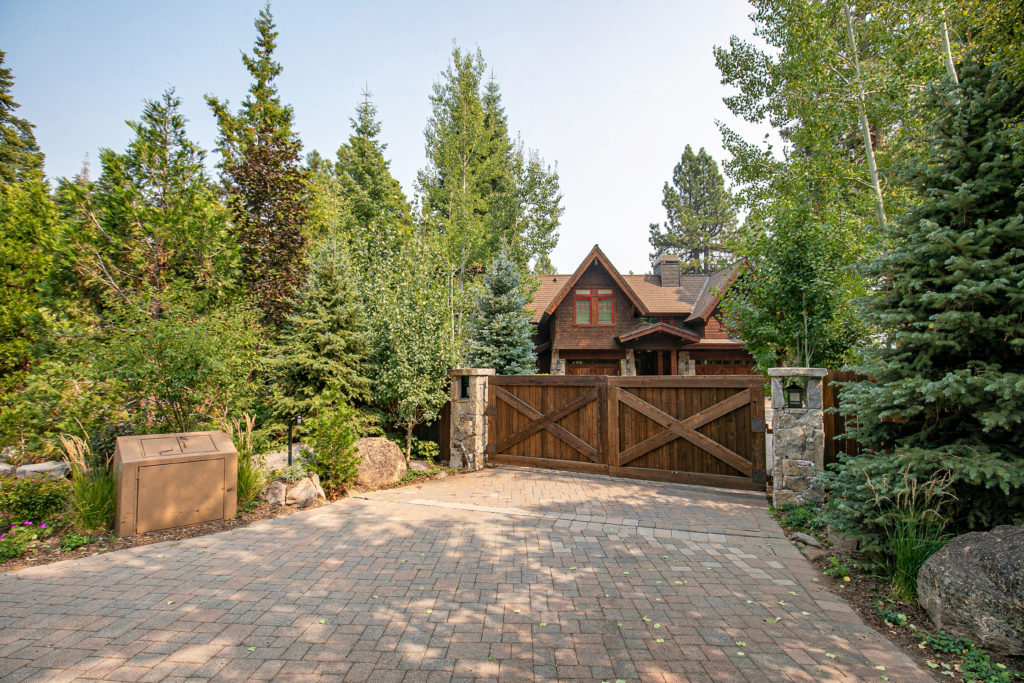 tahoe-city-landscaping-pavers